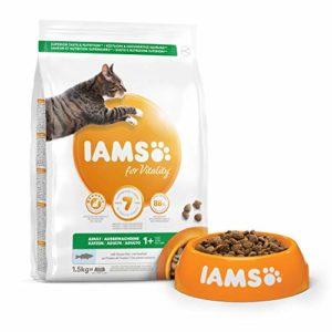 IAMS Vitality – Croquettes Premium Chats Adultes 100% Complètes et équilibrées – Aux poissons de l'océan – Sans OGM Colorant Arôme Artificiel – Sac refermable 1,5 kg