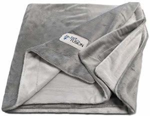 Couverture pour chien grande taille PetFusion (53×41 «), micro-peluche réversible grise, 100% polyester doux