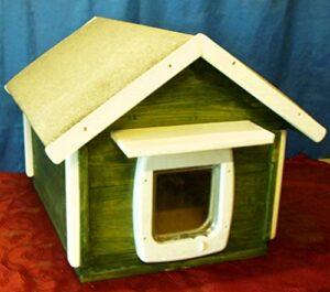 Maison pour chat Outdoor Fond Isolé avec chatière